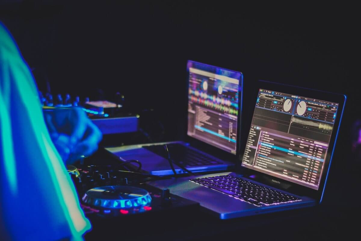 A Quick Introduction to DJ Software