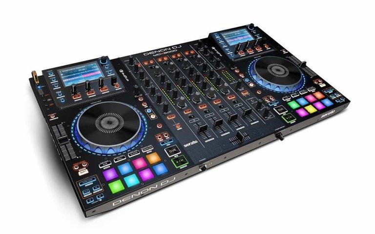 Denon DJ MCX8000 (top angle)