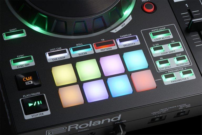 Roland DJ-505 (performance pads)